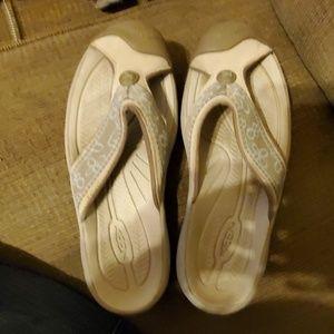 Keen Sandals/Flip Flops/Water Shoes